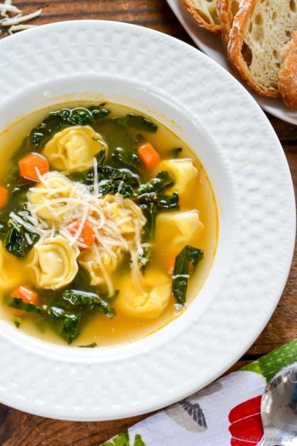 15 Minutes Easy Kale Tortellini Soup Recipe -  ChefDeHome.com