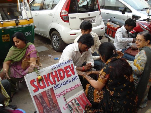 Lajpat Nagar Market, Heena art