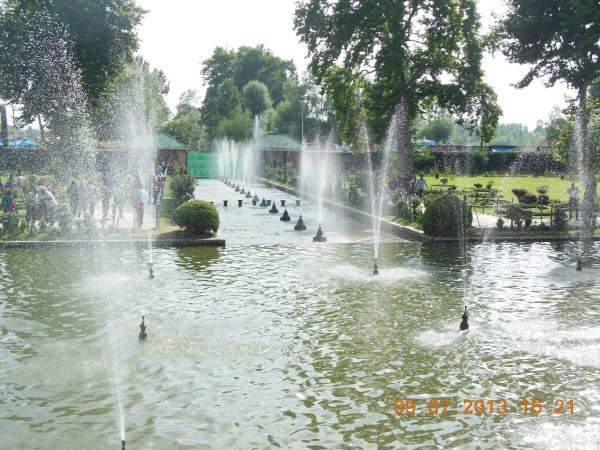 Shalimar gardens in Jammu and Kashmir, this is really beautiful