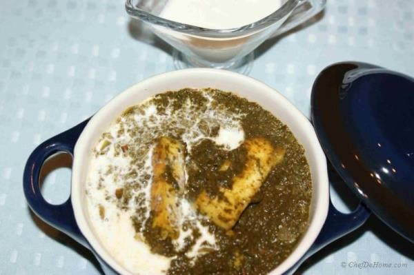 Palak Saag Paneer is a delicious, healthy vegetarian main course prepared with spinach and Indian cheese (Paneer). It is absolutely wonderful with Chapati or naan.