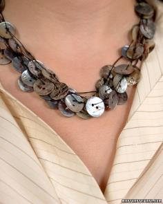 Homemade button jewelry - this necklace is a keeper
