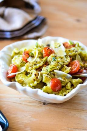 Pasta with Basil and Pistachio Pesto Recipe -ChefDeHome.com