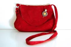 Vintage style Red Suede crossbody bag - classic