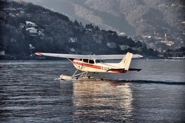 Cessna 172 Sea plane