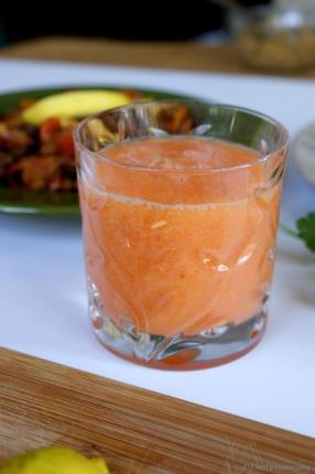 Carrots and Orange Breakfast Smoothie Recipe - ChefDeHome.com