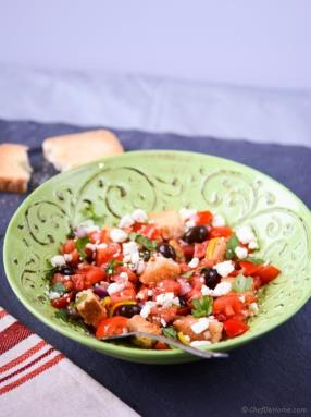Greek Dakos - Bread and Tomatoes Salad Recipe - ChefDeHome.com