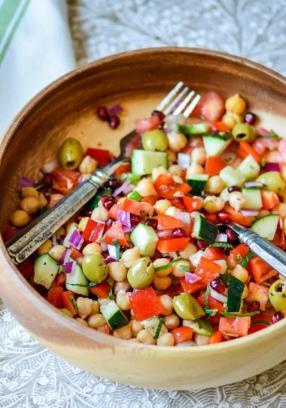 Mediterranean Chickpeas Salad with Herb-Citrus Vinaigrette Recipe - ChefDeHome.com