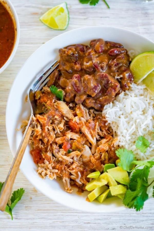5 Ingredients Crockpot Salsa Chicken Recipe - ChefDeHome.com