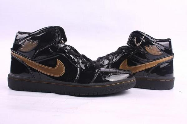 Nike Air Jordan 1 Retro Gold Black Men's 27733