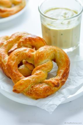Easy Homemade Soft Pretzels Recipe -ChefDeHome.com