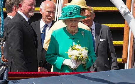 Royal baby - 'I hope it comes soon because I'm going on holiday!' says the Queen on visit to Cumbria