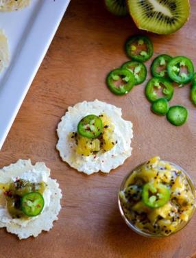 Kiwi Jalapeno Chutney Bites Recipe - ChefDeHome.com