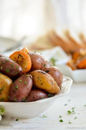 Slow Cooker Baked Greek Lemon Potatoes Recipe - ChefDeHome.com