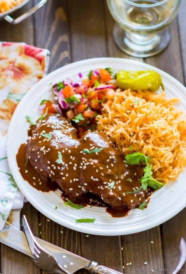 Crockpot Chicken Mole Recipe -  ChefDeHome.com