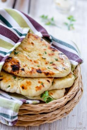 Homemade No Yeast Garlic Butter Naan Recipe - ChefDeHome.com