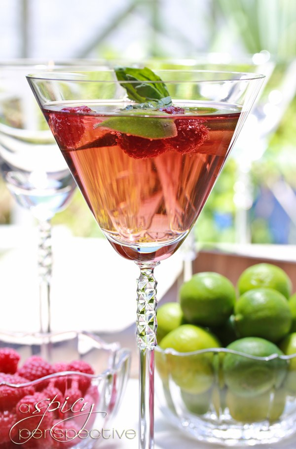I love love mojitos and this one looks so special - Raspberry Basil Mojitos