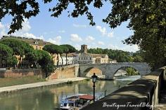 The best romantic walk at The River Tiber