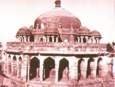 TOMB OF MUBARAK SHAH (MUBARAKPUR KOTLA) - Mubarak Shah Sayyid, the second ruler of Sayyid dynasty died in A.D. 1434, when the tomb might have been built.