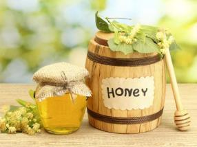 A spoonful of honey and hot water can do wonder to your body. If you are trying to lose weight, honey can be of great help to you. Honey mixed with hot water is known to have such qualities that help