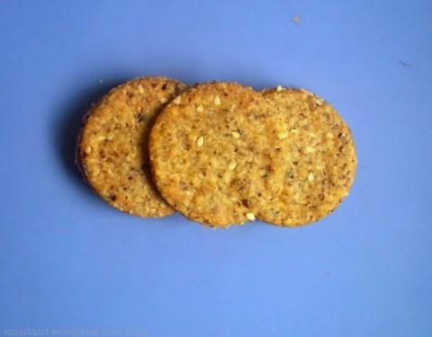 Whole Grain Crackers - Easy Atta Biscuit Recipe by masalaart.wordpress.com