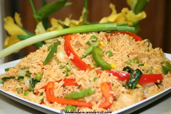 Schezwan Fried Rice recipe by Sneha of kadambam.wordpress.com looks so so good